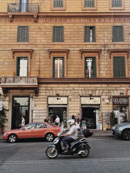 Wine o'clock in Rome